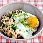 Smażony-ryż-ze-szpinakiem-i-jajkiem