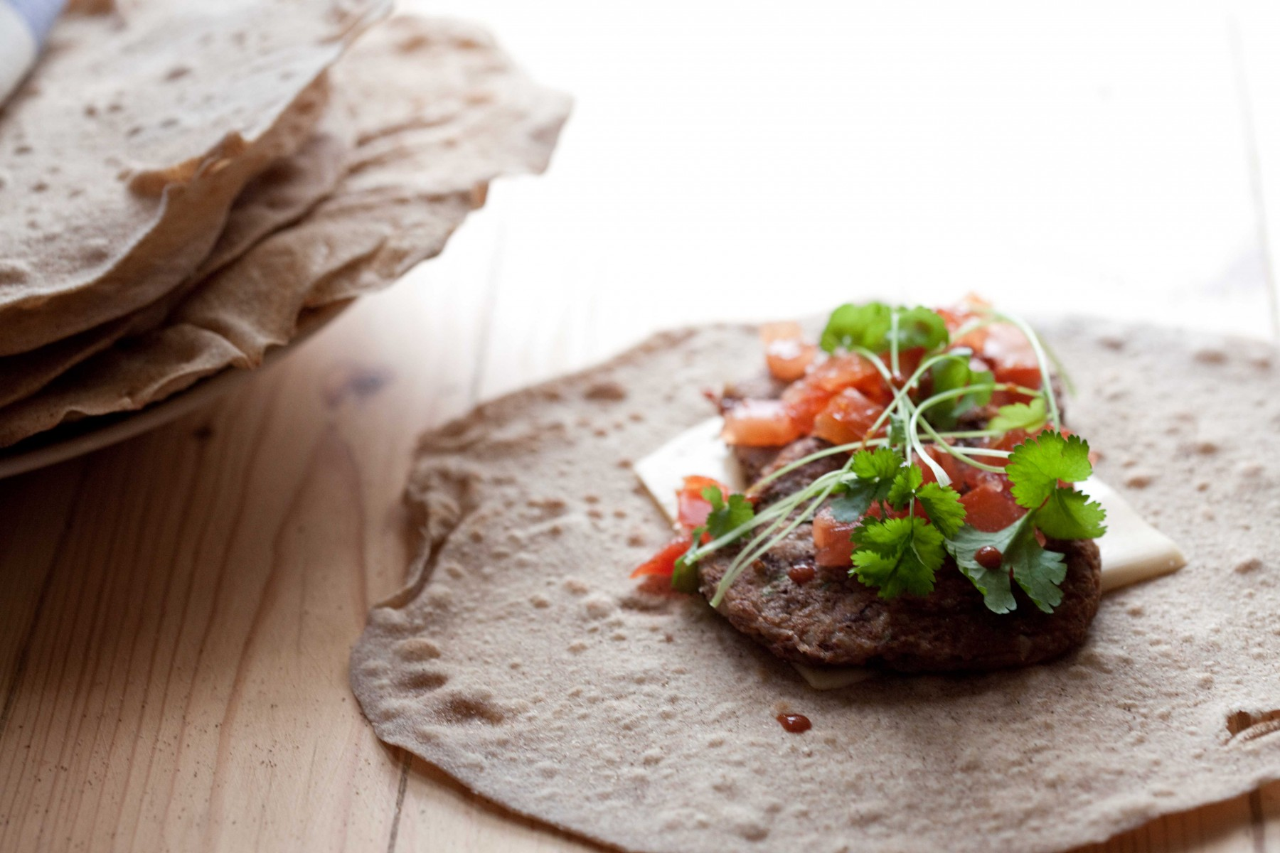 pełnoziarnista-tortilla-kotlet-z-fasoli-adzuki