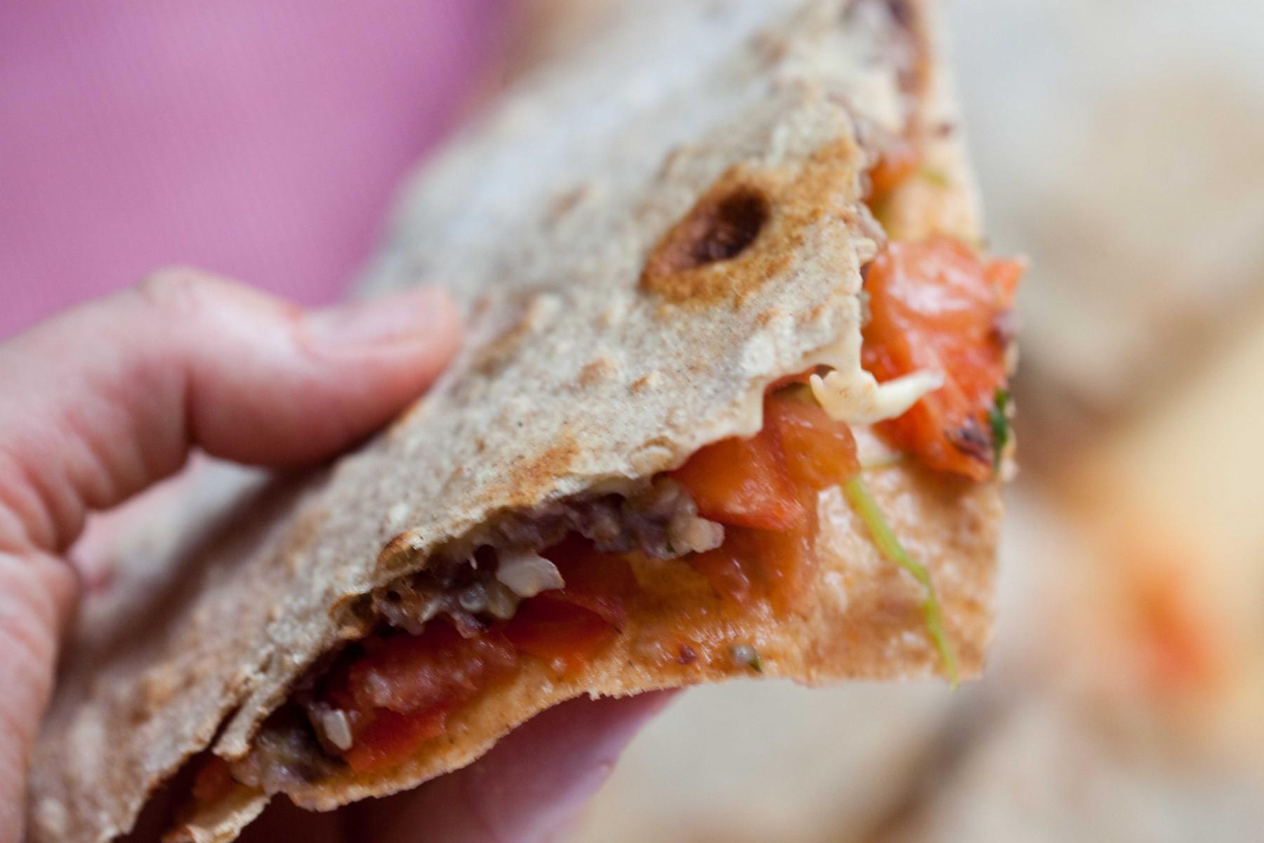 razowa-tortilla-kotlet-z-fasoli-adzuki