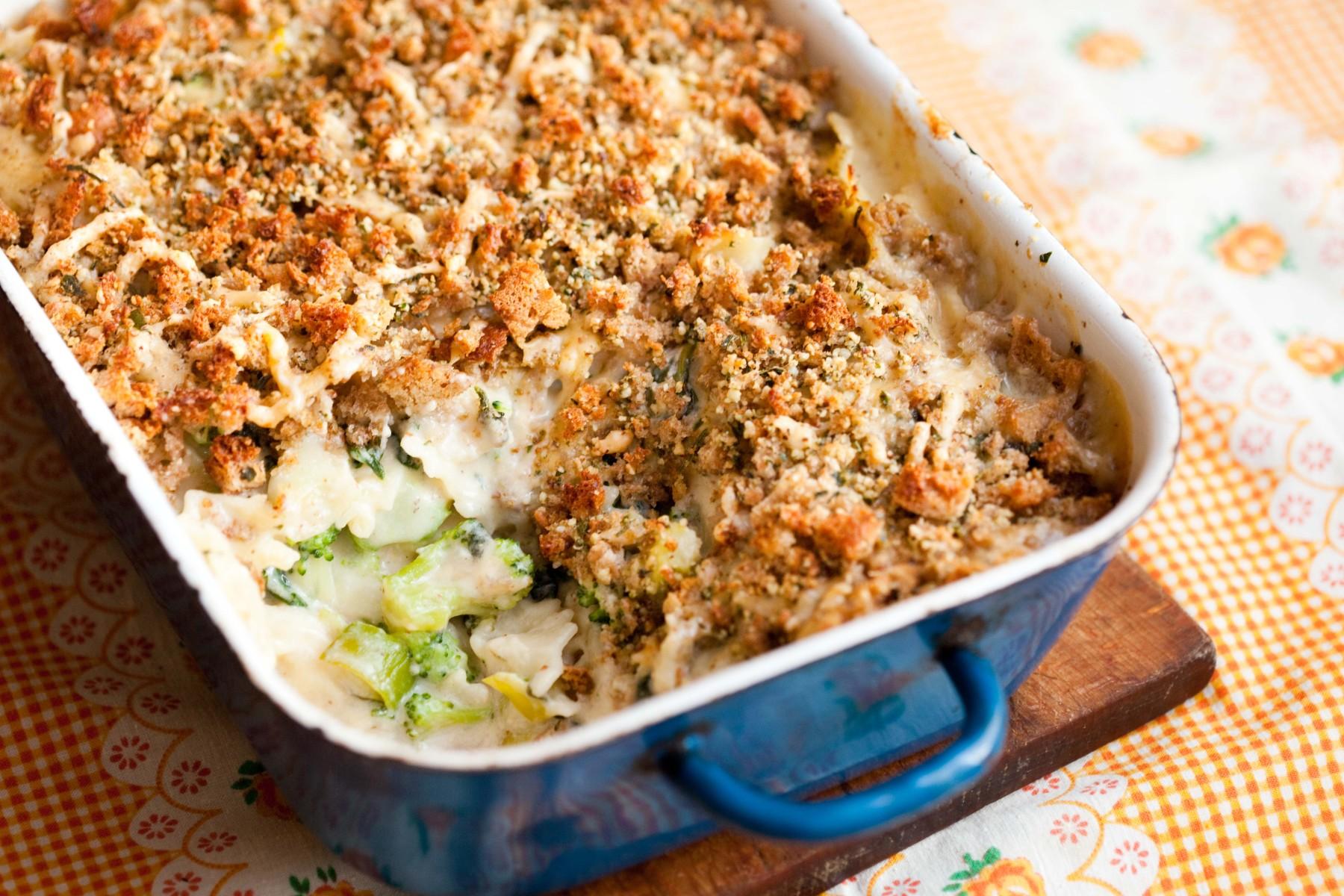 makaronowa-zapiekanka-ze-szpinakiem-i-brokulami
