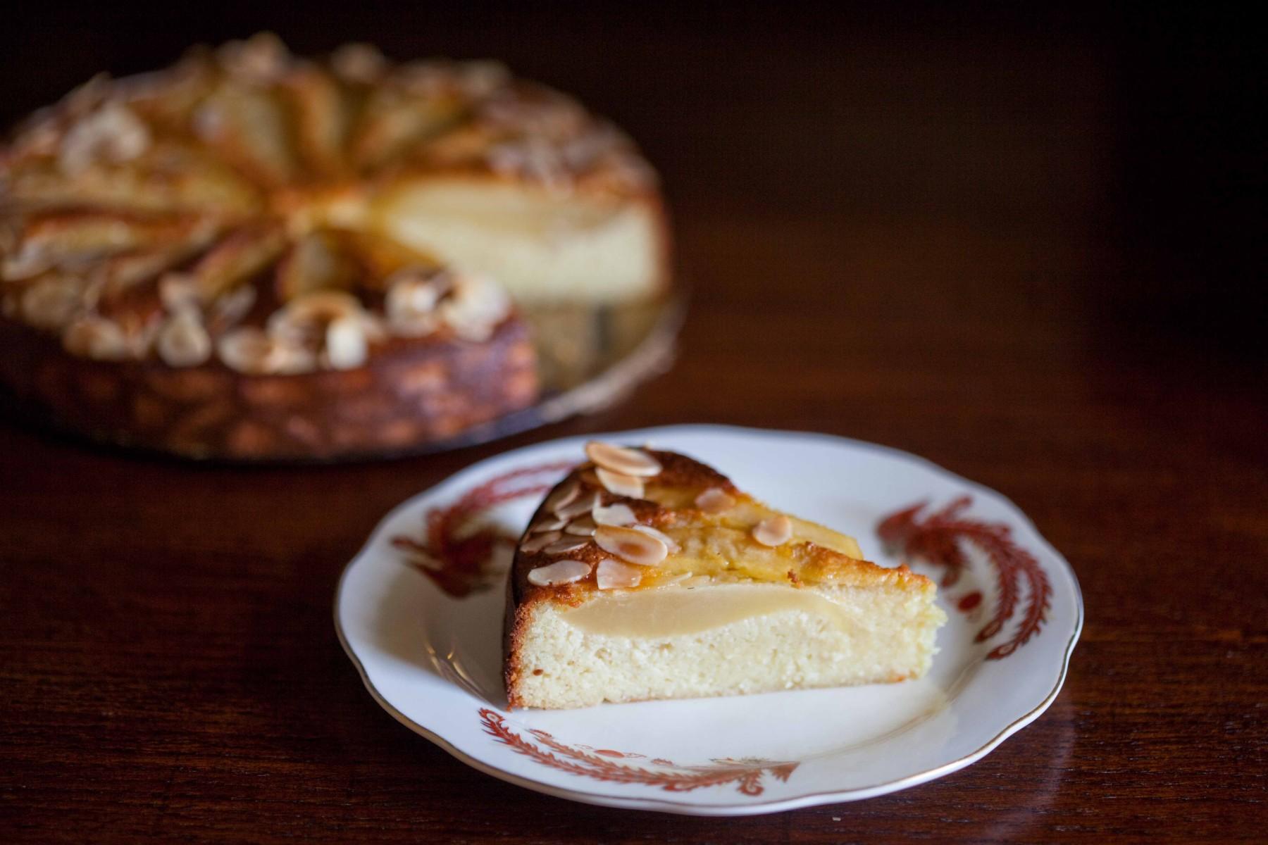 ciasto-migdalowe-z-gruszkami-bez-maki-i-tluszczu