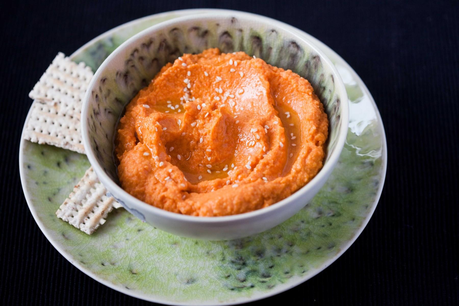 hummus-z-pieczona-papryka