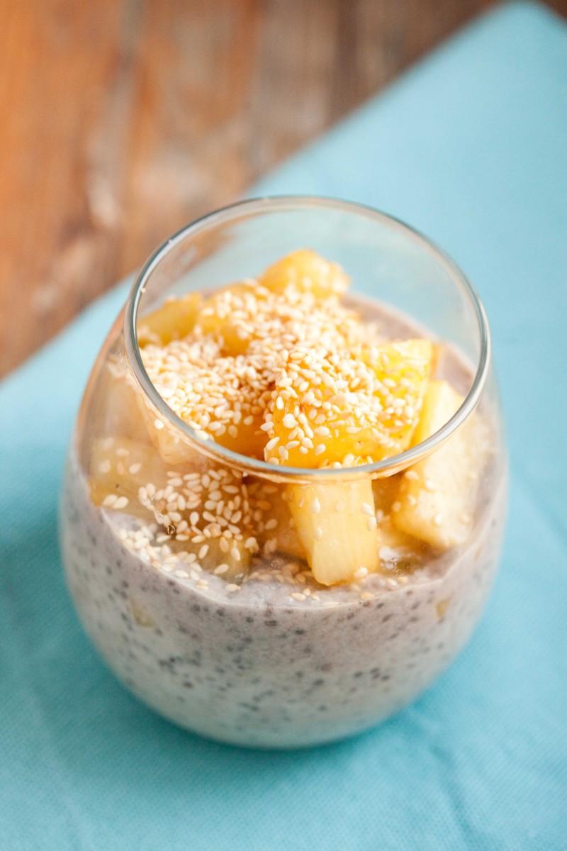 kokosowy-pudding-chia-z-ananasem