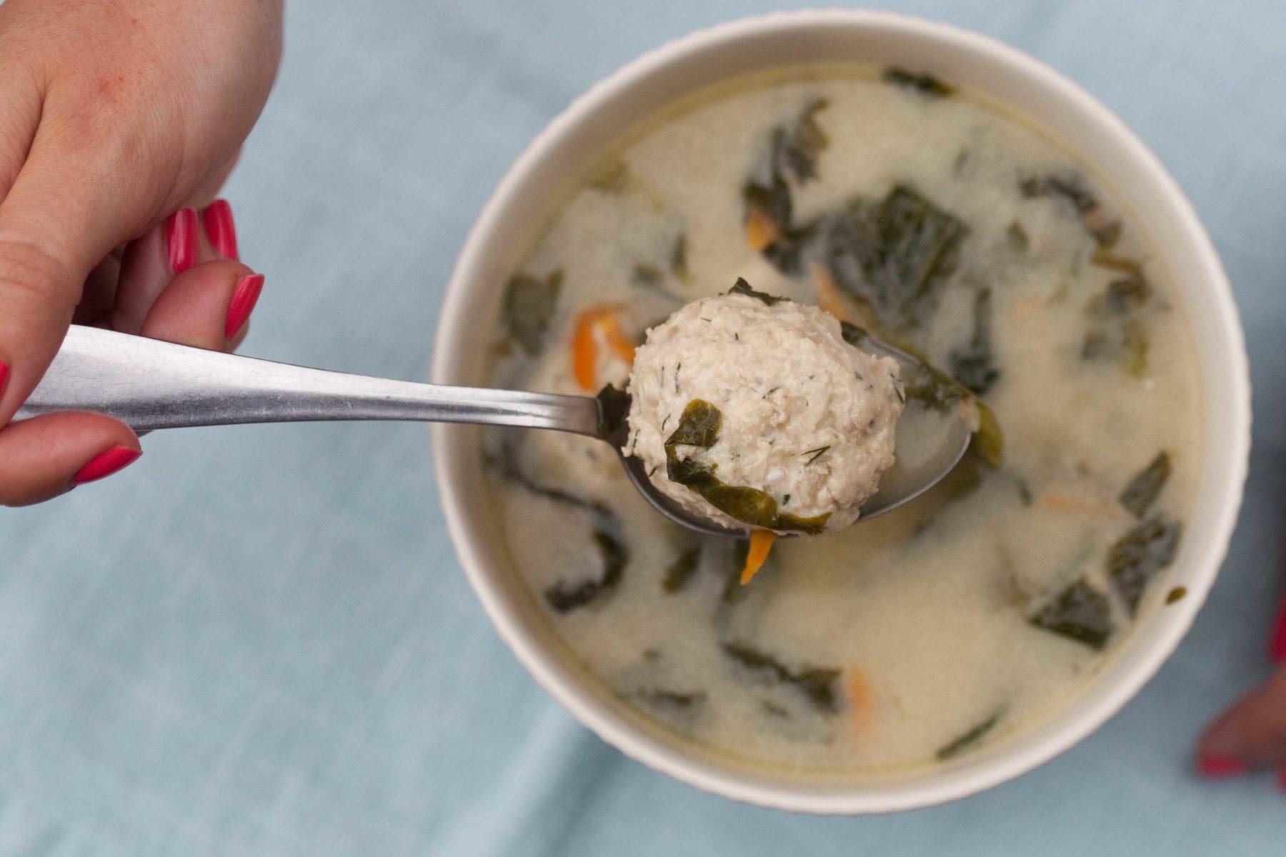 zupa-z-salata-klopsikami