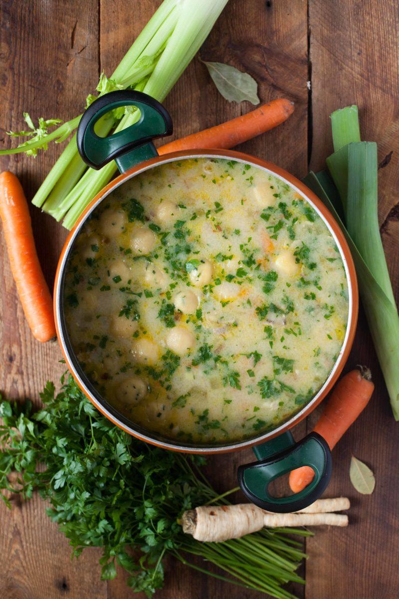 zupa-z-kurczakiem-kukurydzianymi-kluskami