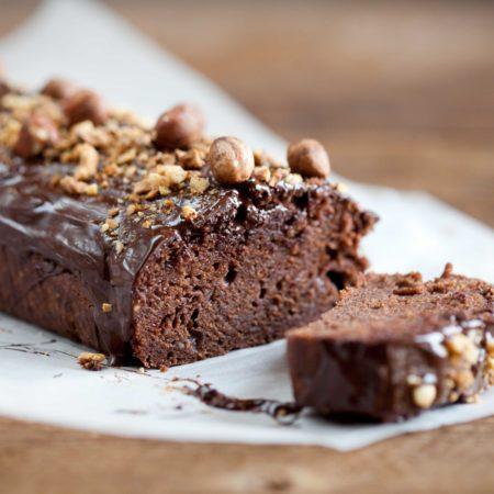 ciasto-czekoladowe-z-orzechami-laskowymi