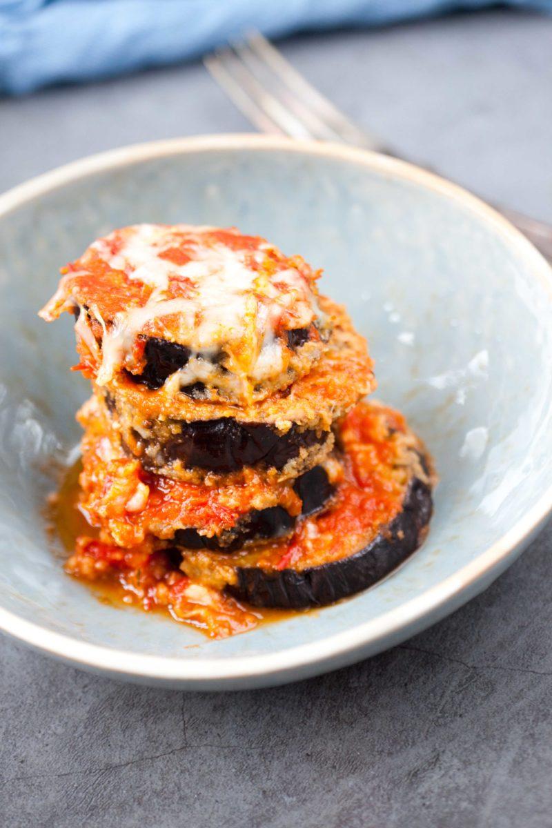 bakłażan-w-panierce-w-sosie-pomidorowym
