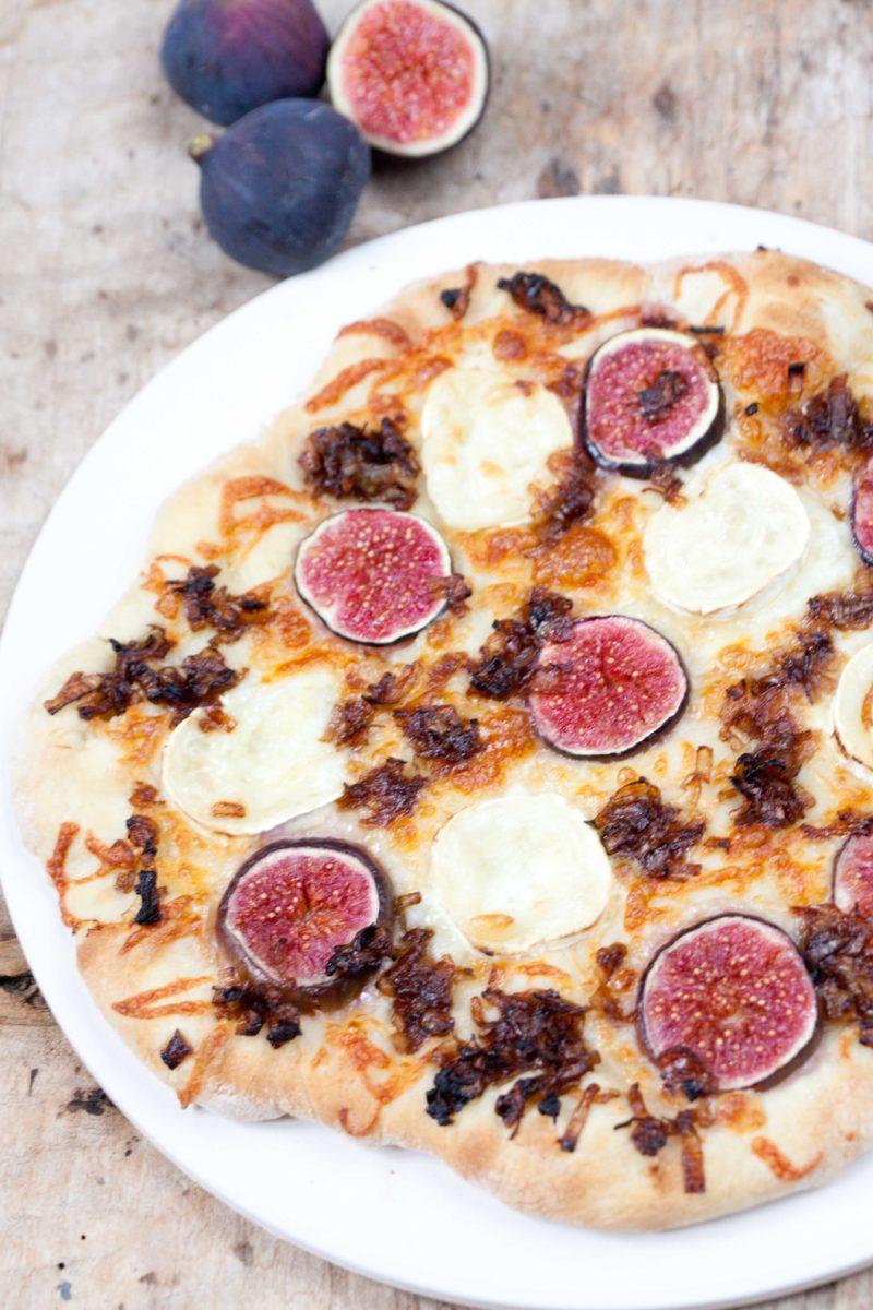 pizza-z-figami-kozi-ser